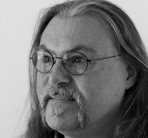 Schloff-Guitars-portrait photo
